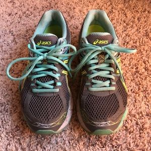 ASICS Running Shoes - Size 7